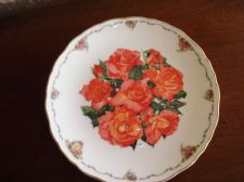 ROYAL ALBERT DISPLAY PLATE LTD EDITION ELIZABETH OF GLAMIS SARA ANNE SCHOFIELD